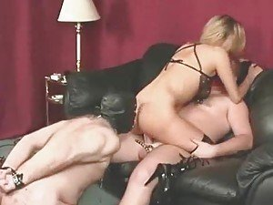 Cuckold eats the cum from her pussy