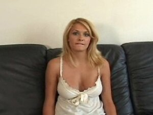Pretty Daphne Fucking Hot in Bed Creampied